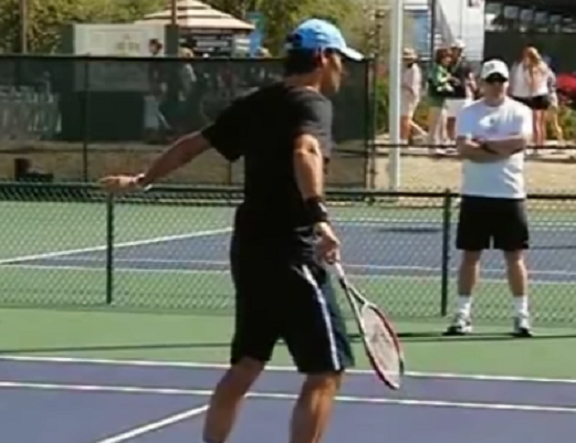 federer-back-volley20130830